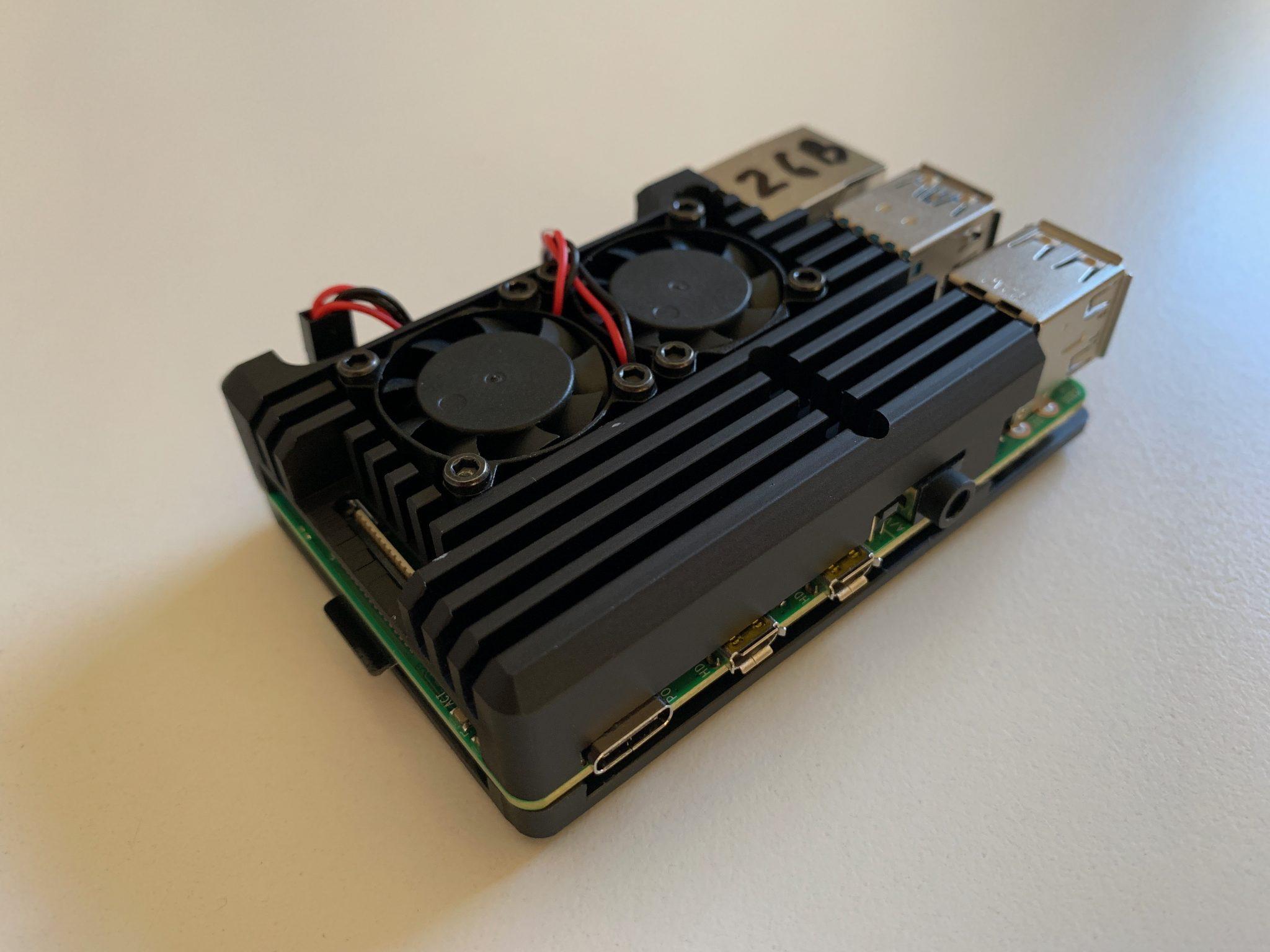 Case HDMI side